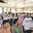 Oleh: Maghriza Novita Syahti Sebanyak 200 remaja Sumatera Barat antusias mengikuti Creative Writing Workshop (CWW) yang digelar Rabu (25/5) siang di gedung Palanta Kota Padang. Mereka berasal dari berbagai sekolah […]