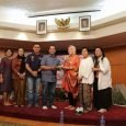 Sebanyak 25 hasil karya terbaik tulisan Buruh Migran Indonesia (BMI) hasil lomba menulis tingkat Internasional yang diselenggarakan oleh ICLaw dibukukan untuk menjadi bahan referensi bagi BMI yang ingin bekerja di […]